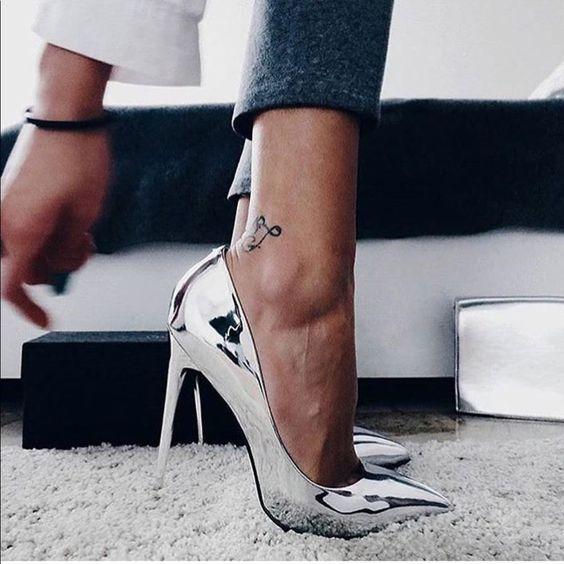đôi giày, doi giay, giay cao got mui nhon