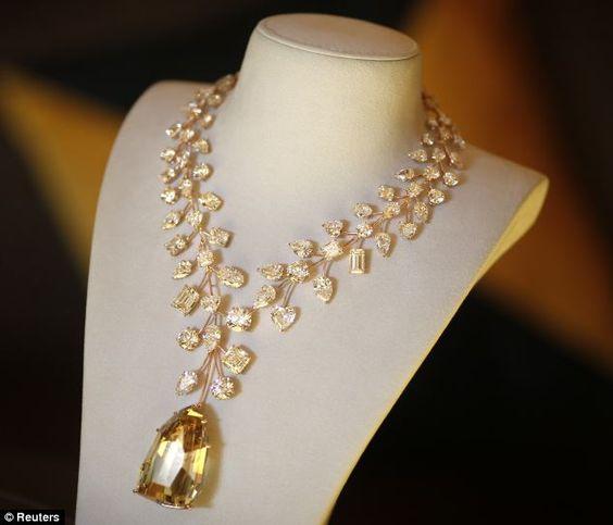 Chiêm ngưỡng 10 món trang sức đắt giá nhất hành tinh