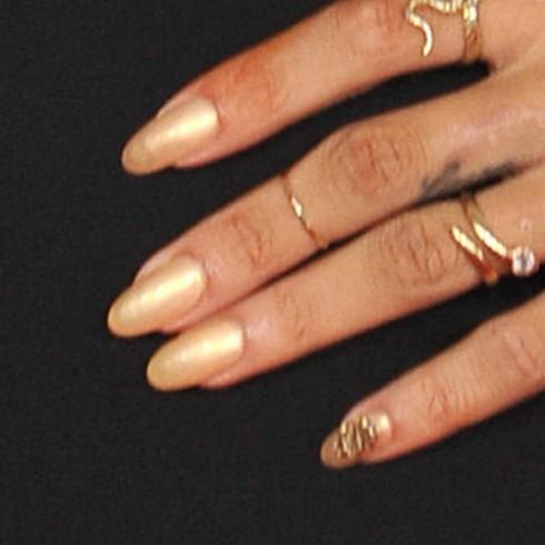 mẫu nail độc đáo của ngôi sao, mau nail doc dao cua ngoi sao
