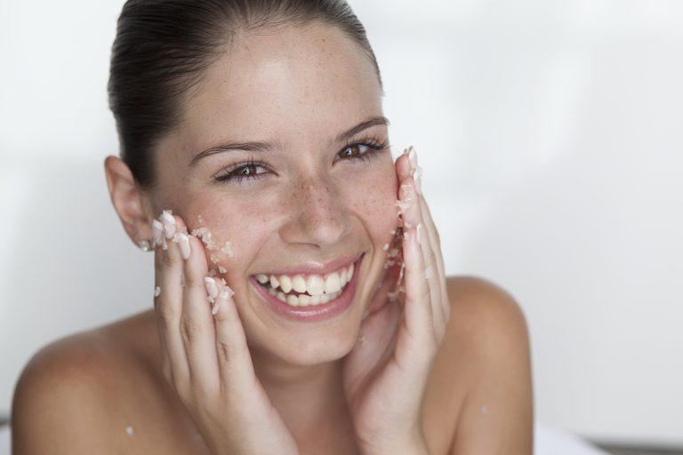 lưu ý khi rửa mặt, luu y khi rua mat