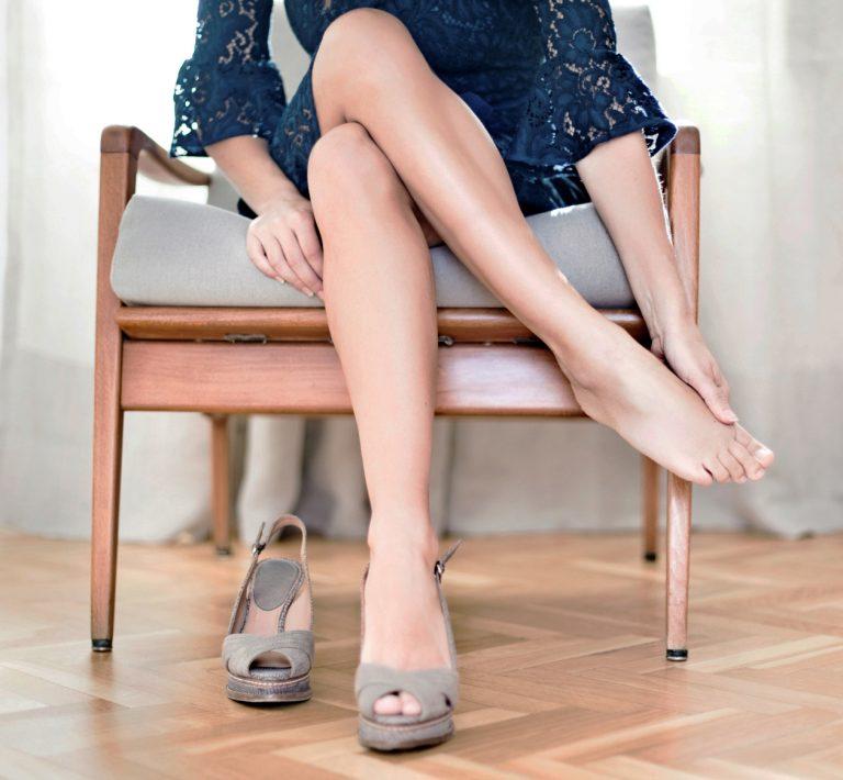 đi giày cao gót không đau chân, di giay cao got khong dau chan