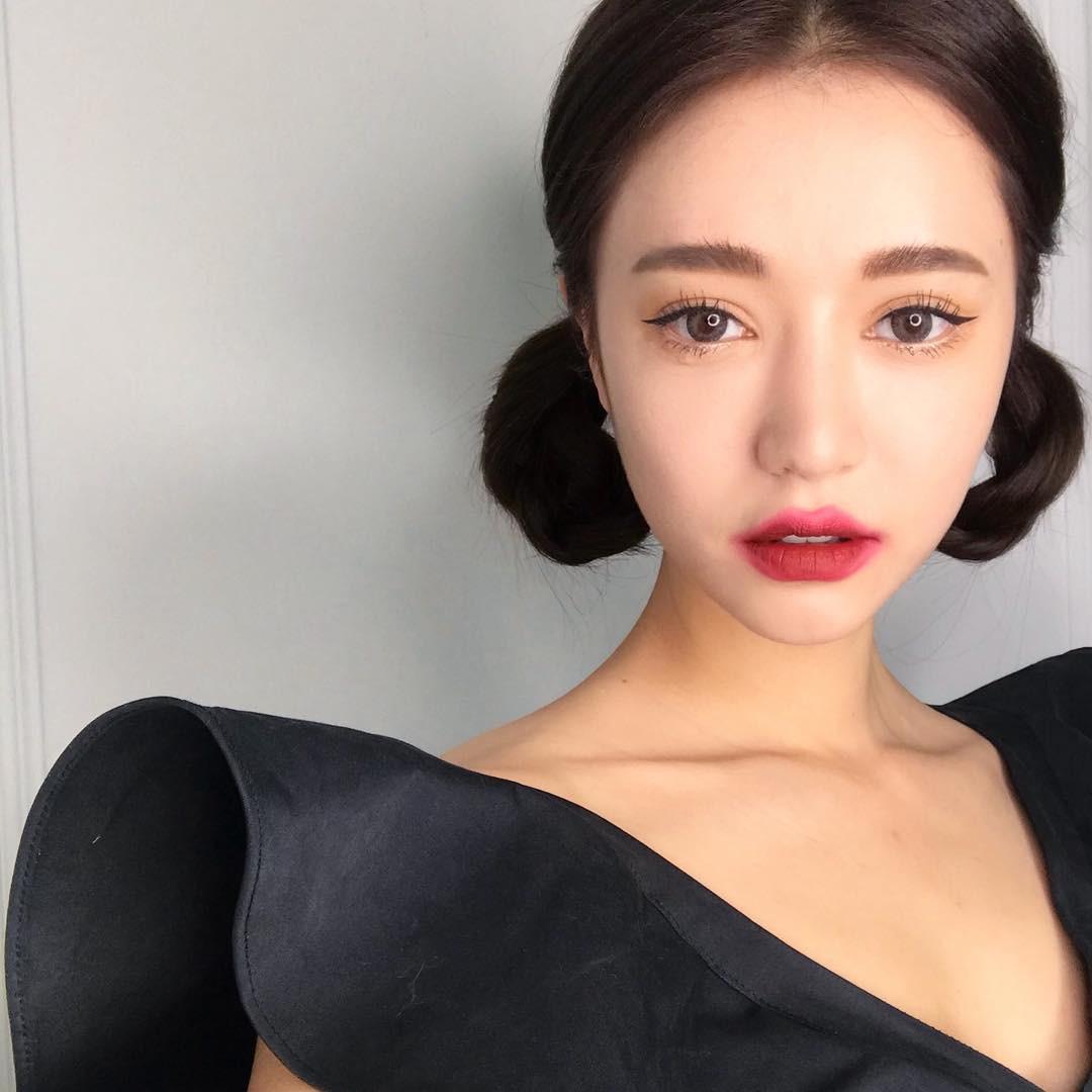 đánh son kiểu Hàn Quốc