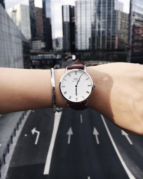 thương hiệu đồng hồ nữ nổi tiếng, thuong hieu dong ho nu noi tieng