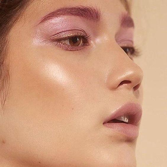 xu hướng trang điểm Glossy Eyeshadow, xu huong trang diem Glossy Eyeshadow